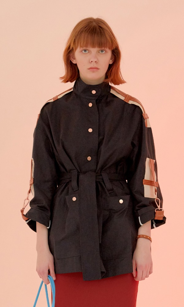 Elie Sleeve Belt Short Trench_Black