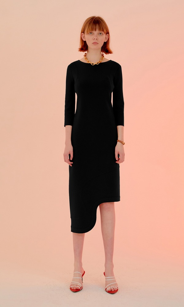 Rindi Line Point Dress_Black