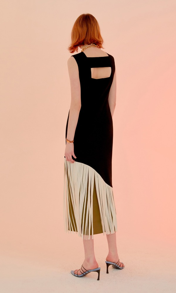 Poin Fringe Dress_Black