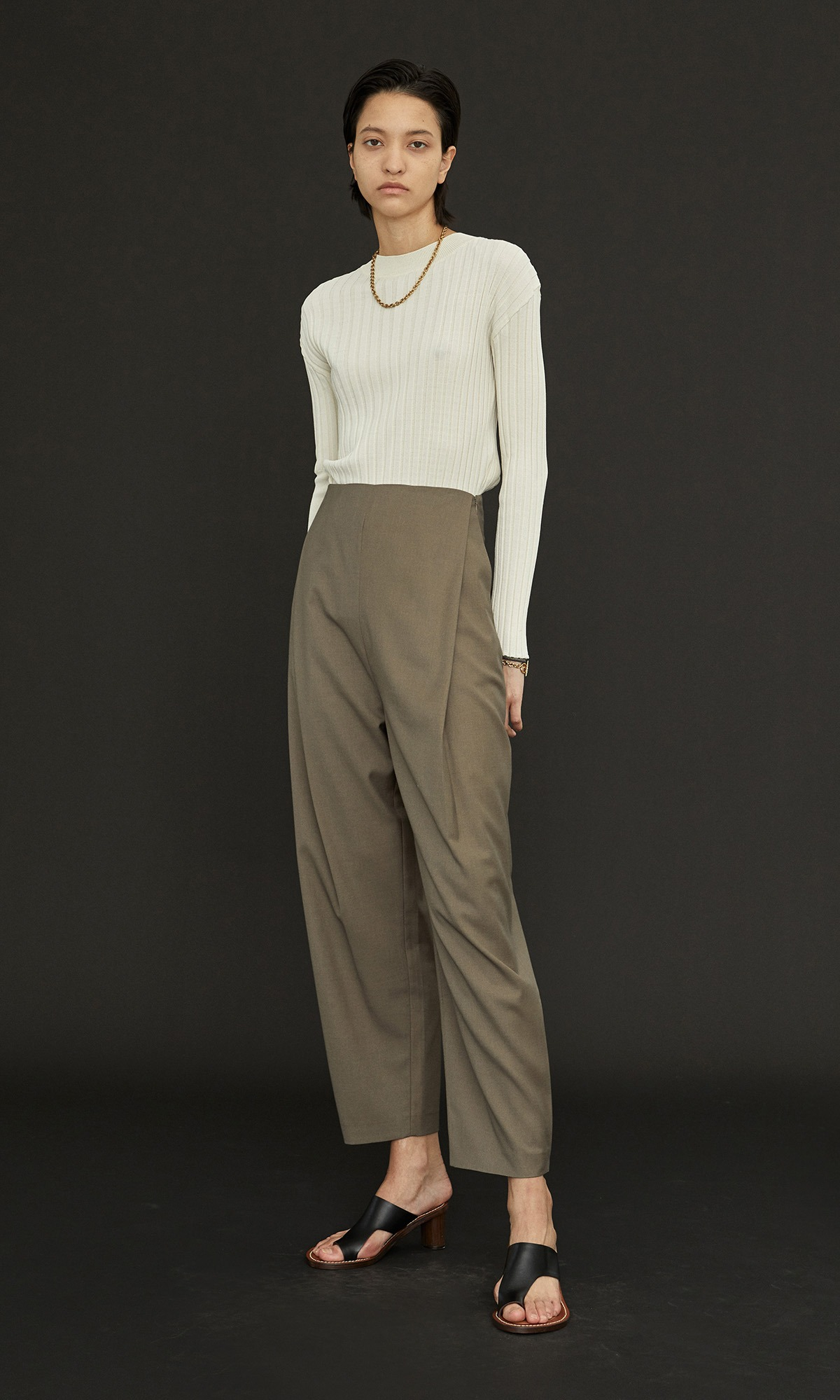 Plock Tuck Wide Trouser_Khaki