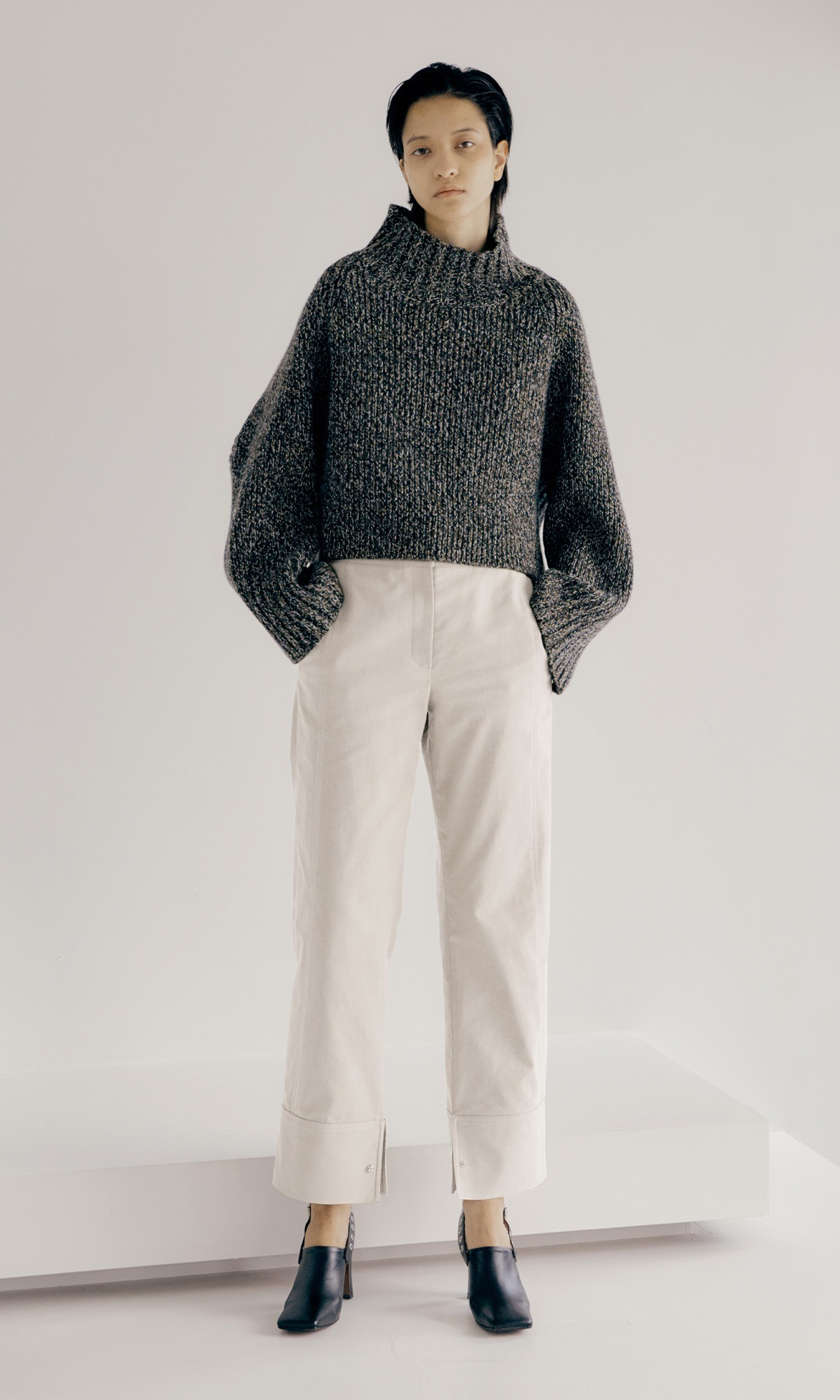 Dion Stitch Trouser_White (1차 리오더)