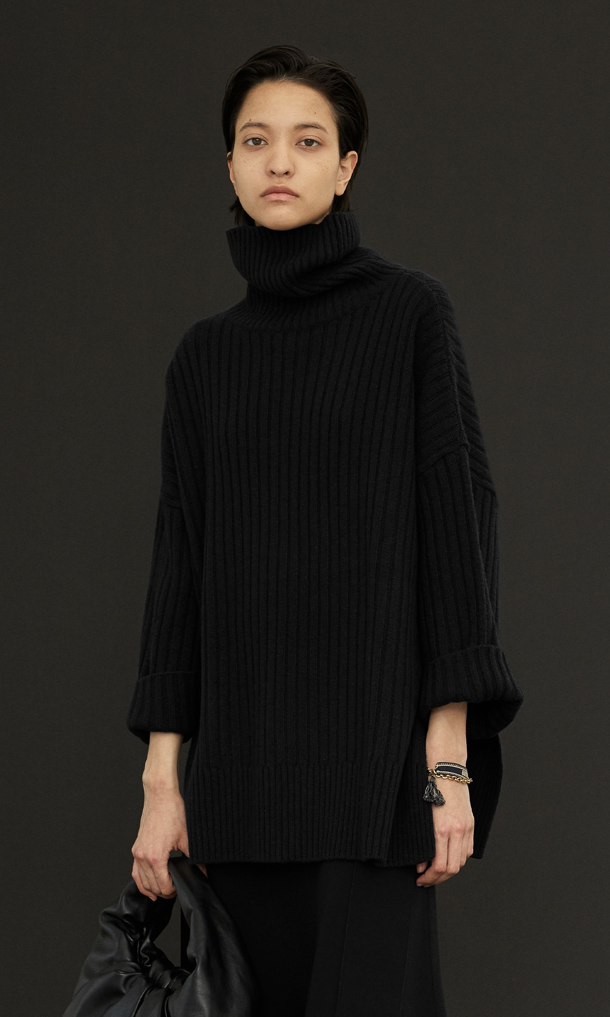 New Cashmere Cape Knit_Black
