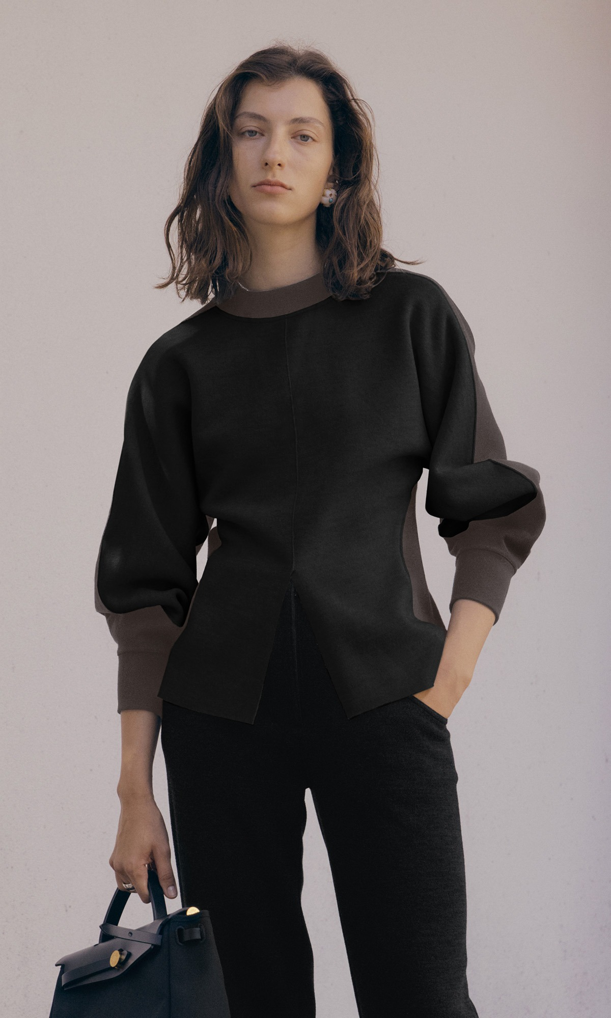 Aerin Oval Sleeve Top_Black+Ash Brown