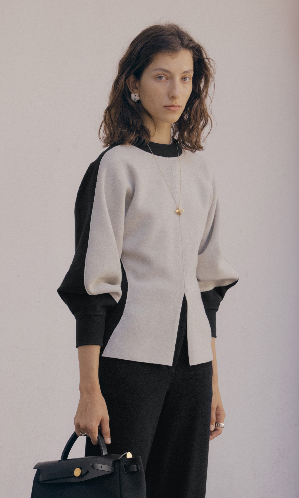 Aerin Oval Sleeve Top_Cement+Black (1차 리오더)